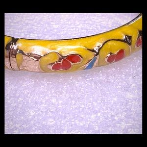 Jewelry - Hinged Glossy yellow floral bangle bracelet